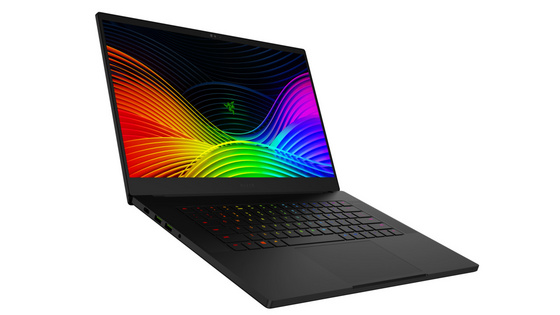 Prenosnik Razer Blade 15 Advanced FHD 240Hz, i7-9750H, 16GB, 256GB SSD, RTX 2070, Win 10
